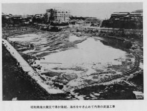 津呂港の浚渫