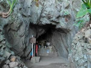 一夜建立の岩屋:写真2