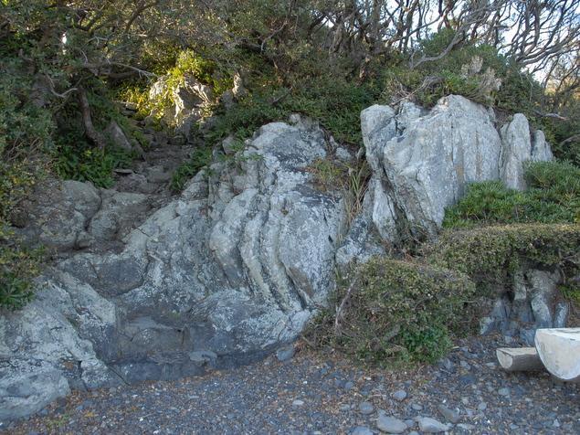 竜宮岩:写真2